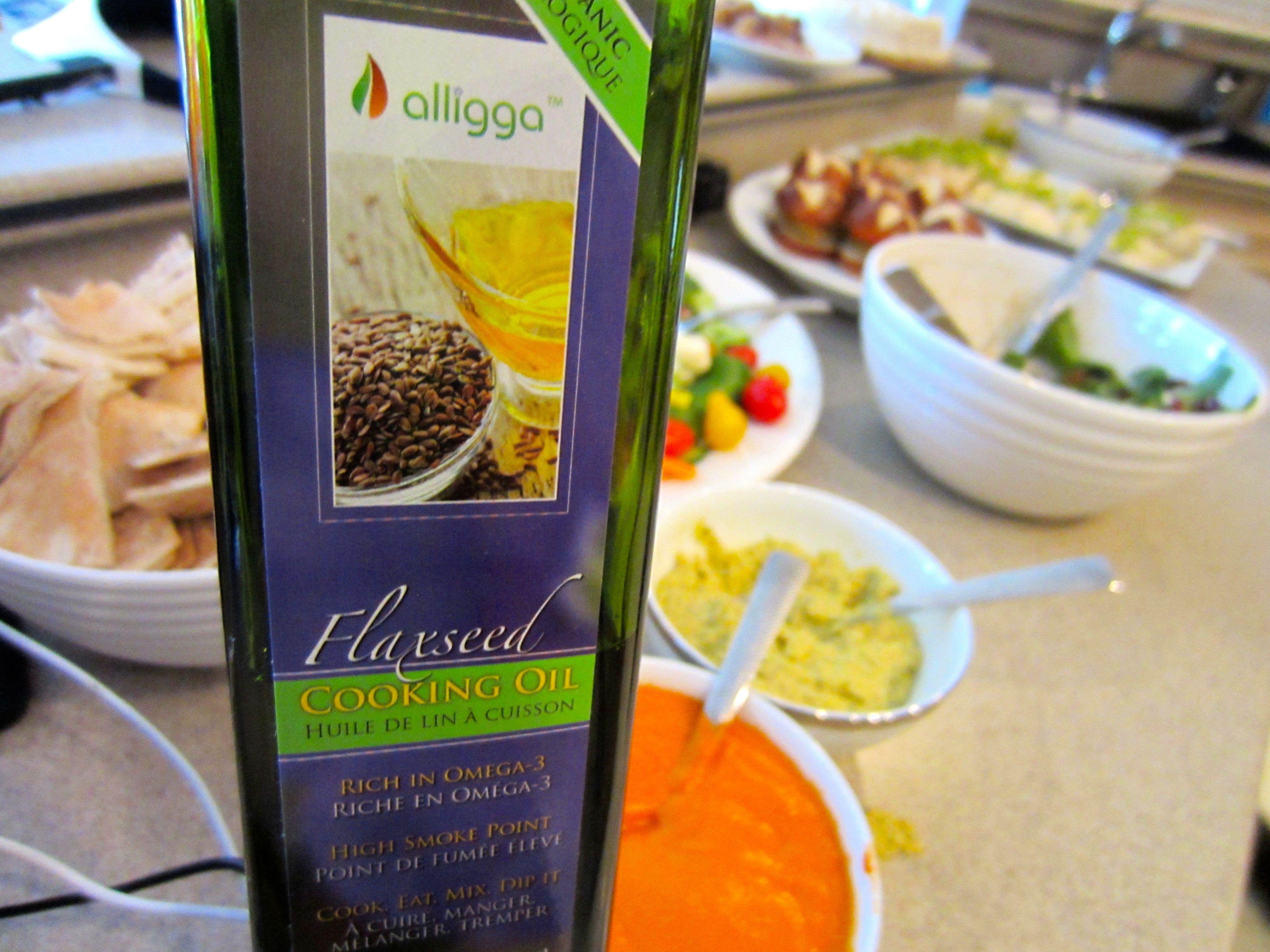 Alligga bottle with food