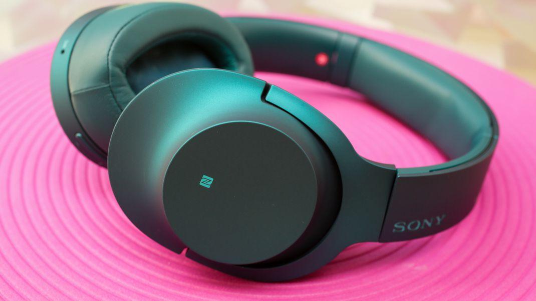 sony hear on wireless noise canceling headphones teal 04